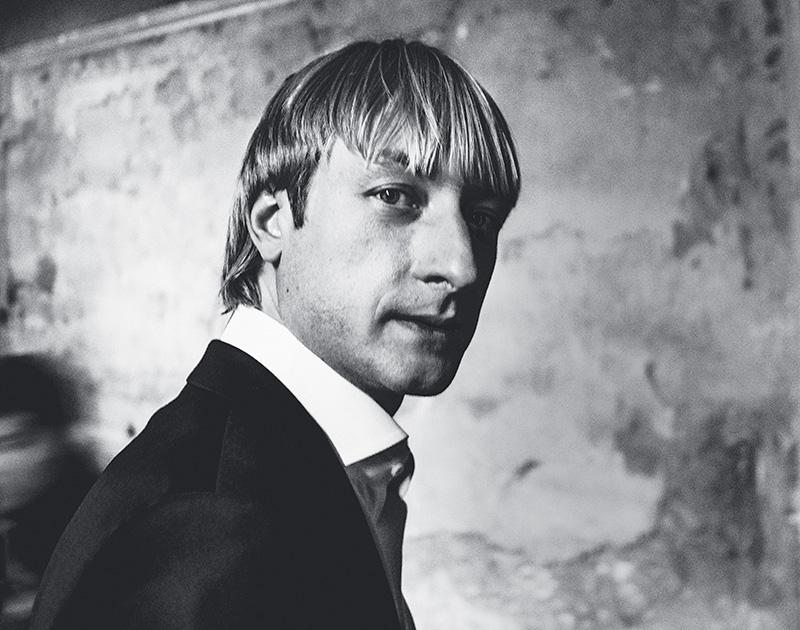 Евгению Плющенко