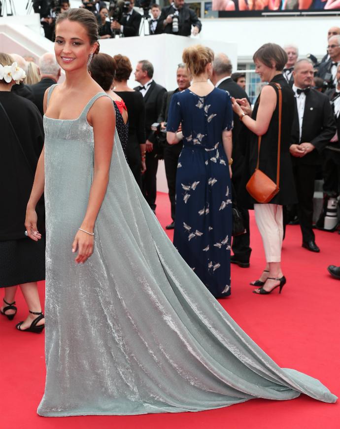 Алисия Викандер в Valentino Couture на Каннском кинофестивале