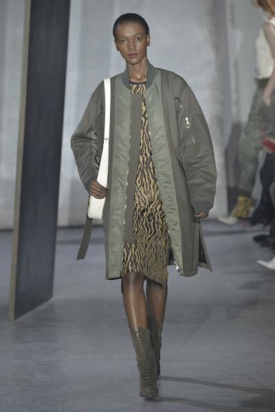 Лучшие показы Недели моды в Нью-Йорке: 16 февраля | галерея [3] фото [1]