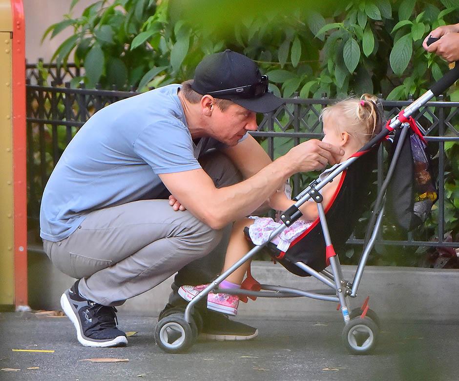 Джереми Реннер с дочерью Авой
