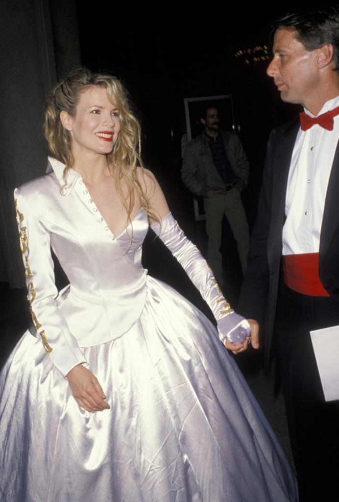 Ким Бейсингер, 1990