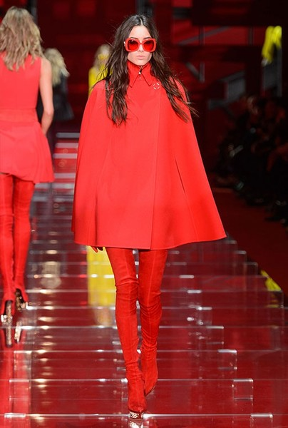 Показ Versace на Неделе моды в Милане | галерея [1] фото [3]