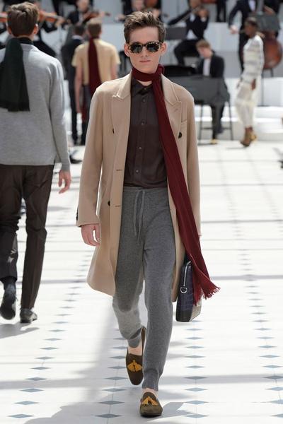 Показ Burberry Prorsum на Неделе мужской моды в Лондоне | галерея [2] фото [27]