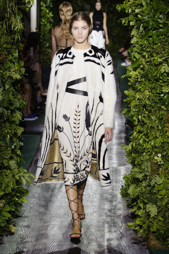 Показ Valentino Couture осень-зима 2014-15