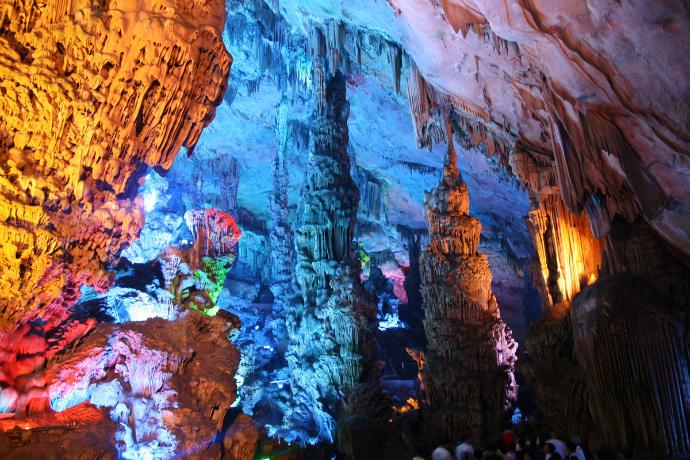 Пещера тростниковой флейты, Китай
