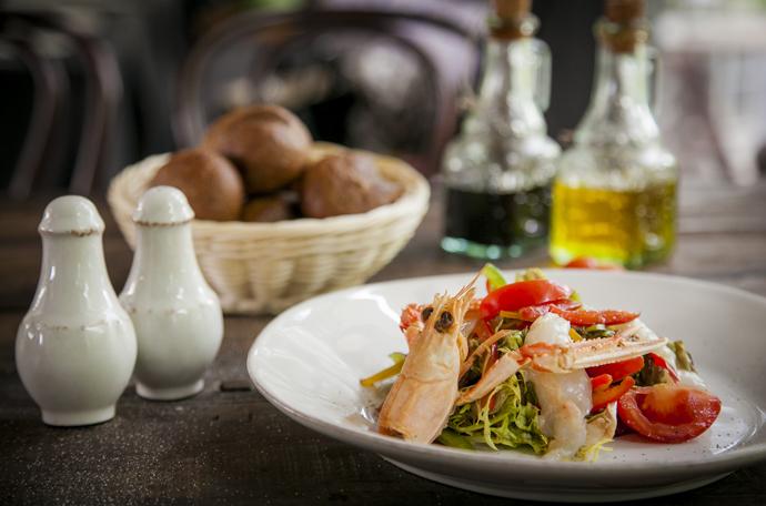 Салат с лангустином