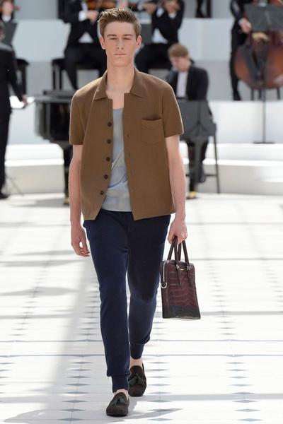 Показ Burberry Prorsum на Неделе мужской моды в Лондоне | галерея [2] фото [15]