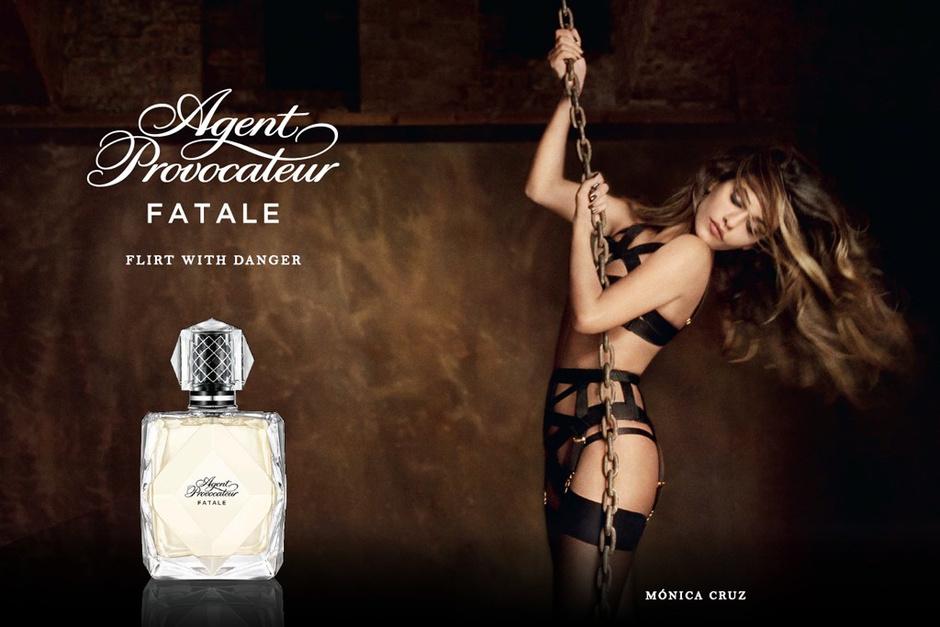 Моника Крус в рекламе аромата от Agent Provocateur