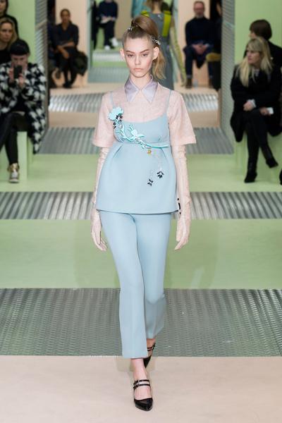 Показ Prada на Неделе моды в Милане | галерея [1] фото [4]