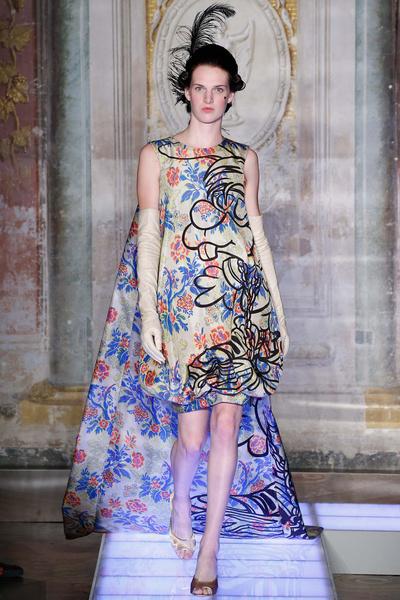 Во Флоренции прошел показ мужской коллекции Moschino | галерея [3] фото [5]