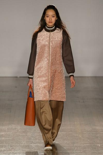 Неделя моды в Лондоне: 21 февраля | галерея [3] фото [8]