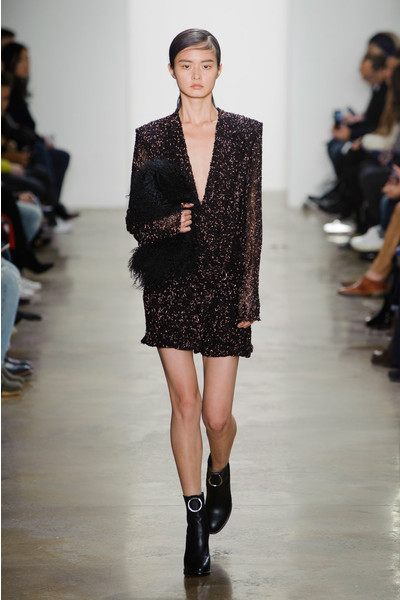 Самые красивые образы Недели моды в Нью-Йорке | галерея [1] фото [56]
