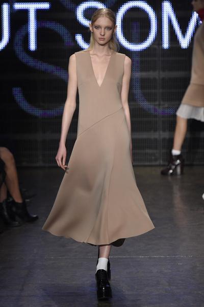 Неделя моды в Нью-Йорке: лучшие показы уикенда | галерея [3] фото [5]