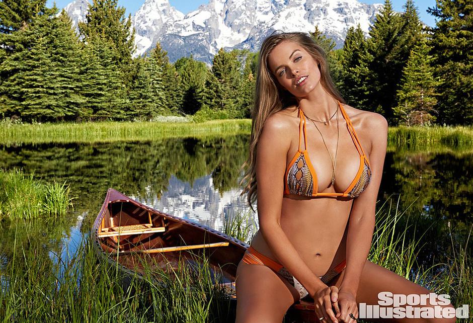 Робин Лоули в Sports Illustrated Swimsuit Issue 2015