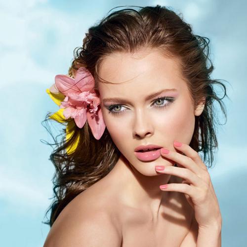 Розовая пастила Complete Eye Palette тренды макияжа маникюра 2014