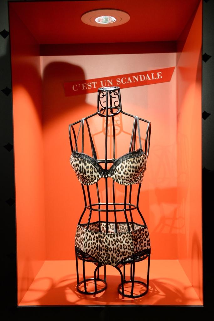 Холли Берри представила собственную линию нижнего белья