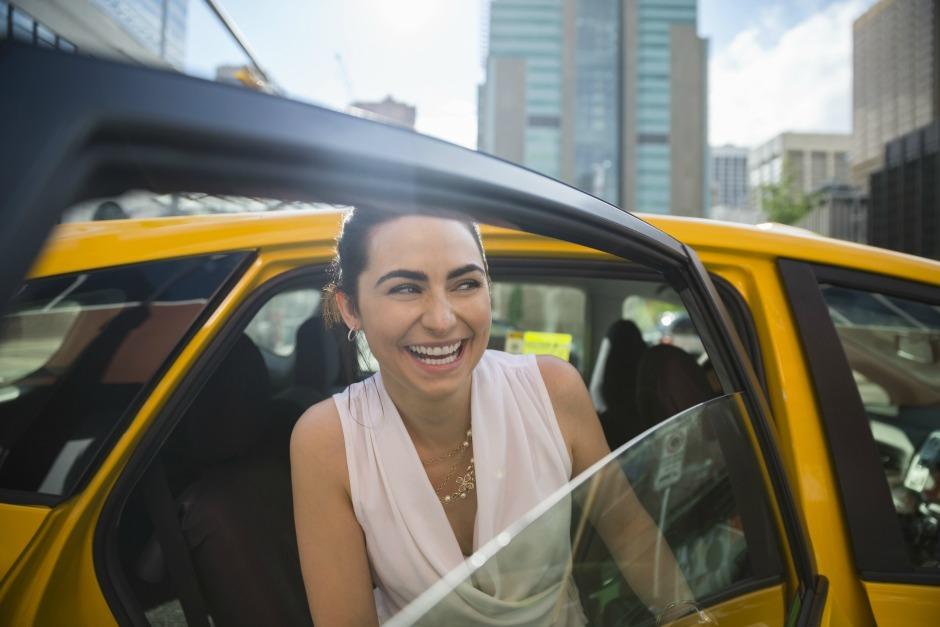 Brow-такси: Uber и Givenchy проведут совместную бьюти-акцию
