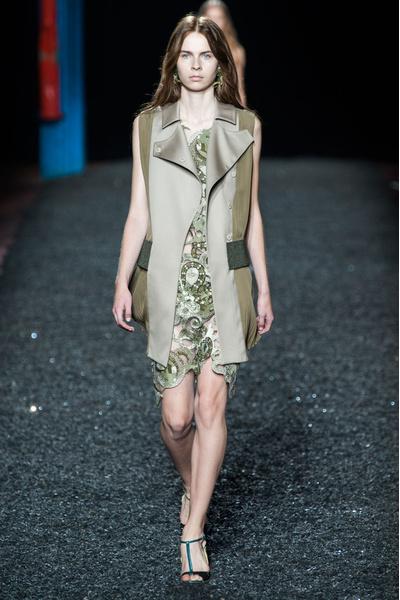 Показ Mary Katrantzou на Неделе моды в Лондоне