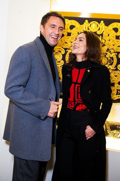 Селебрити на презентации осенней коллекции Versace | галерея [1] фото [4]
