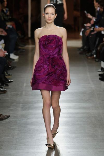 Показ Oscar de la Renta на Неделе моды в Нью-Йорке | галерея [1] фото [27]