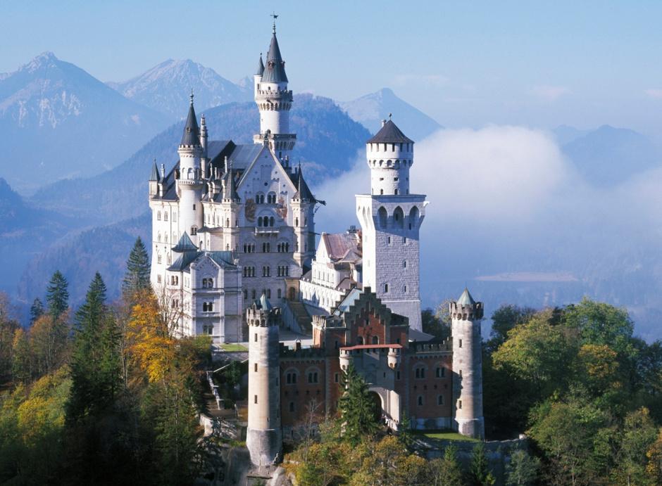 Замок из мультфильма «Спящая красавица»