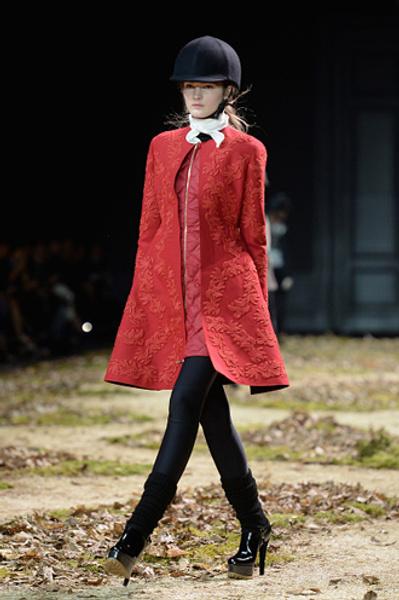 Неделя моды в Париже: показ Moncler Gamme Rouge осень-зима 2015/16 | галерея [1] фото [13]