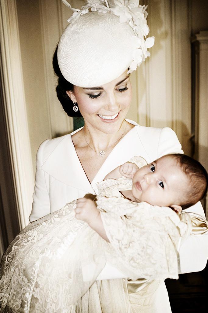 Кейт Миддлтон с принцессой Шарлоттой