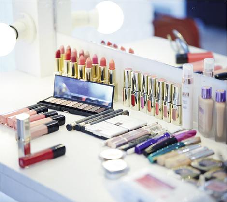 Star Trends: Светлана Ходченкова в модных бьюти-образах нового сезона | галерея [1] фото [2]