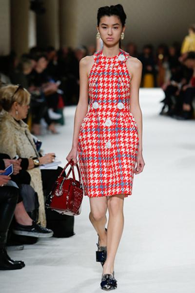 Неделя моды в Париже: показ Miu Miu pret-a-porter осень-зима 2015/16 | галерея [1] фото [16]