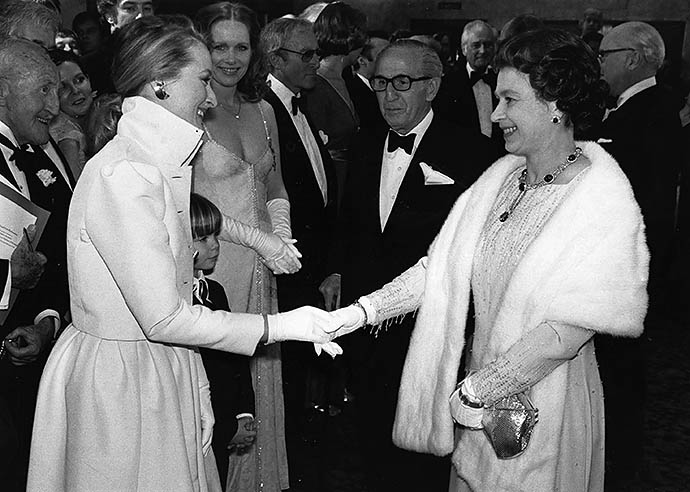 Мерил Стрип на приеме у Елизаветы II, 1980 год