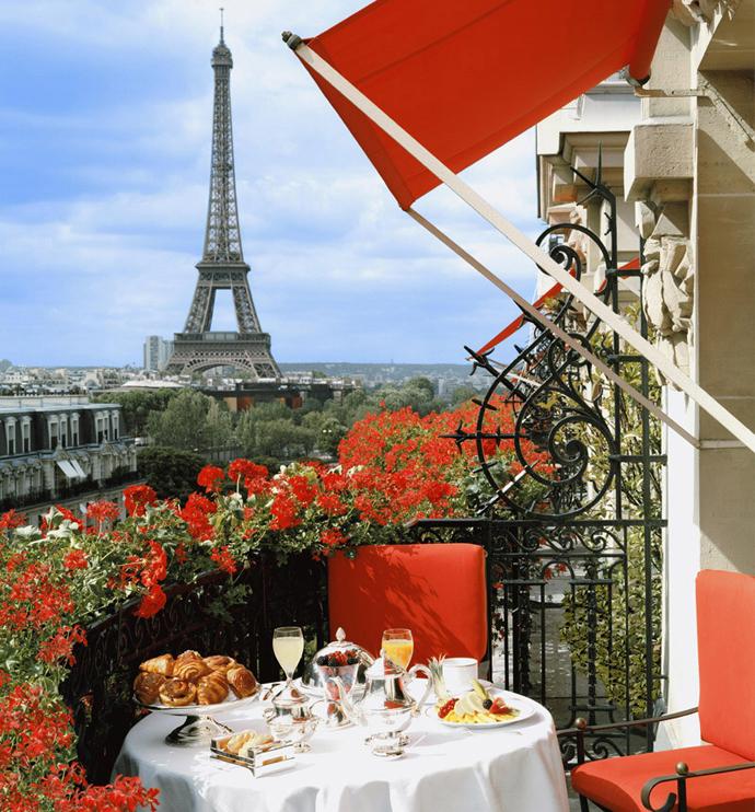 Франция, Париж, отель Plaza Athenee