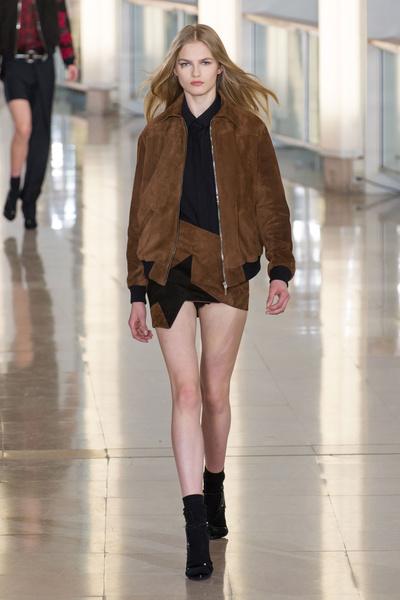 Показ Anthony Vaccarello на Неделе моды в Париже | галерея [2] фото [17]