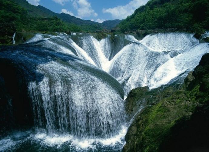 Водопад Чжэньчжутань, Китай