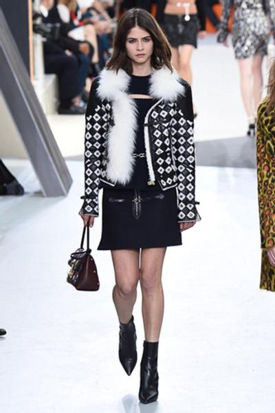 Неделя моды в Париже: показ Louis Vuitton ready-to-wear осень-зима 2015/16 | галерея [1] фото [8]