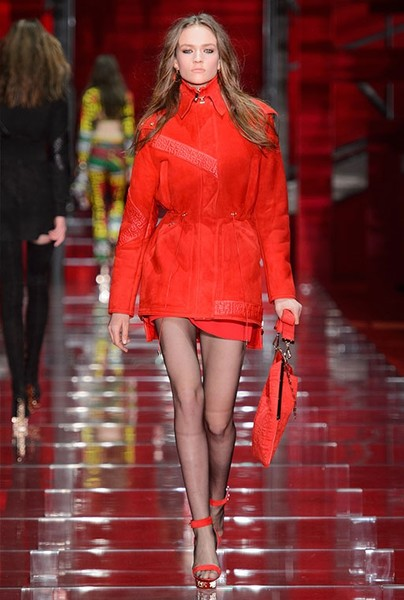 Показ Versace на Неделе моды в Милане | галерея [1] фото [11]
