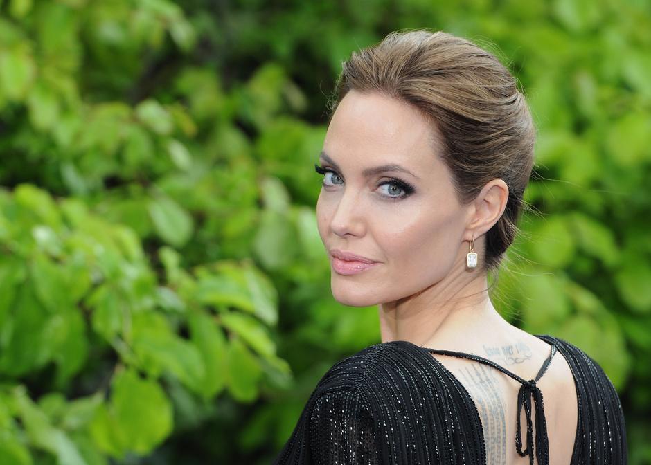 Новое лицо Guerlain: Анджелина Джоли