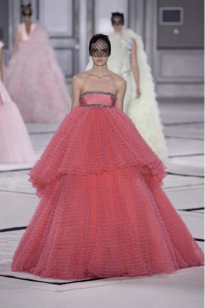 Показ Giambattista Valli Haute Couture | галерея [1] фото [8]
