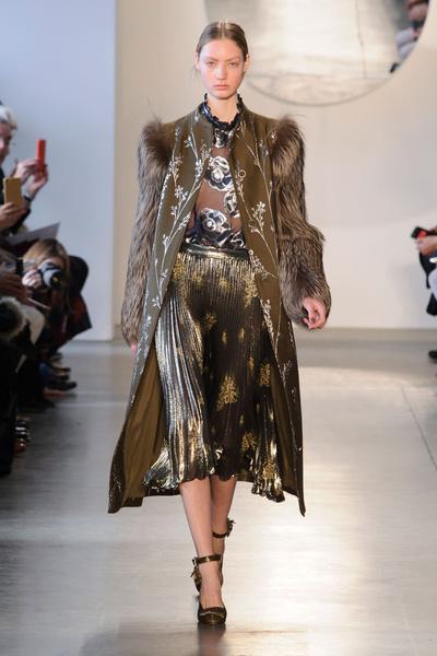 Самые красивые образы Недели моды в Нью-Йорке | галерея [1] фото [32]