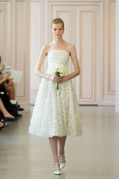 Дом Oscar de la Renta представил новую свадебную коллекцию | галерея [1] фото [4]