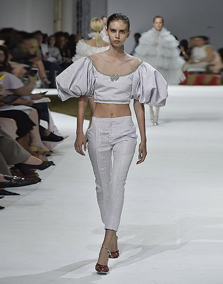 Показ Giambattista Valli Couture на Неделе моды в Париже
