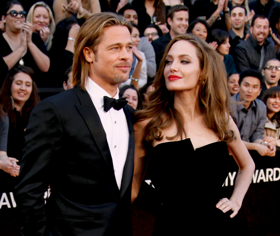 Анджелина Джоли и Брэд Питт на церемонии «Оскар» в 2012 году