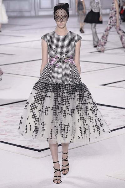 Показ Giambattista Valli Haute Couture | галерея [1] фото [12]