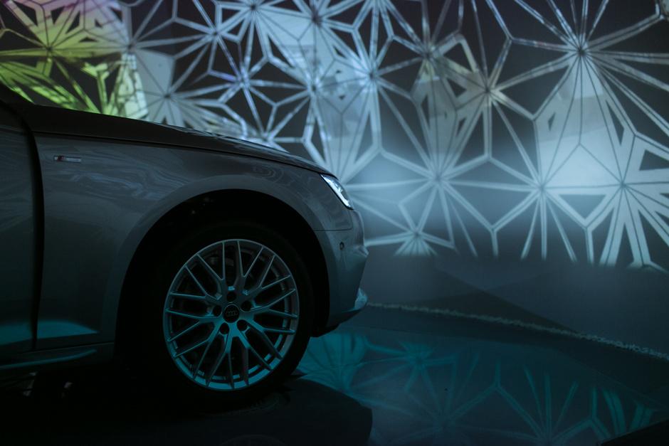 Первый в мире космический тест-драйв за рулем Audi A4
