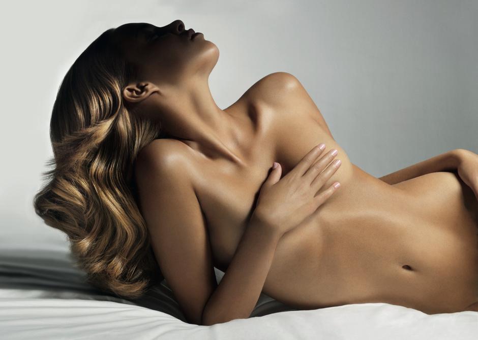 Free The Nipple: зачем женщинам право на свободные соски 2