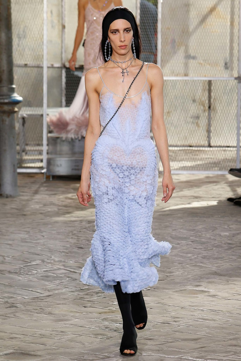 Джейми Бочерт на показе Givenchy весна-лето 2016