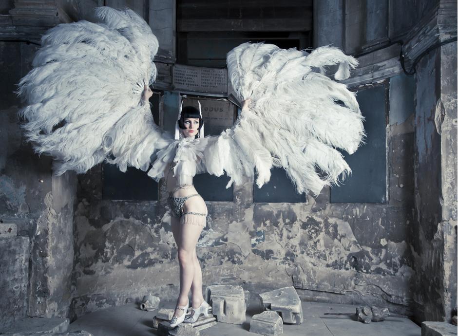 Лучшие танцовщицы Европы представят новогодний «Бал-Бурлеск»