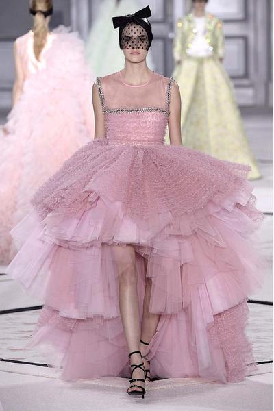 Показ Giambattista Valli Haute Couture | галерея [1] фото [17]