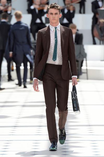 Показ Burberry Prorsum на Неделе мужской моды в Лондоне | галерея [2] фото [23]