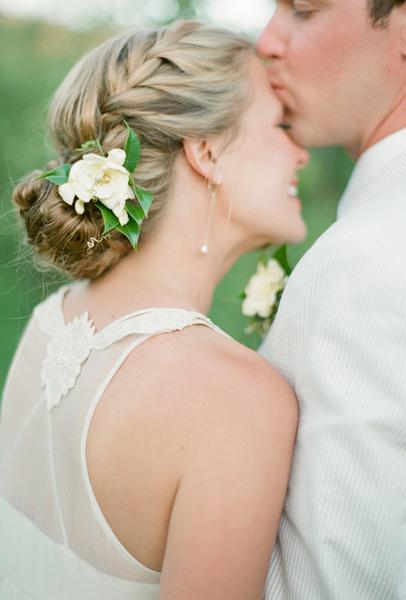 Как украсить цветами свадебную прическу | галерея [3] фото [2]