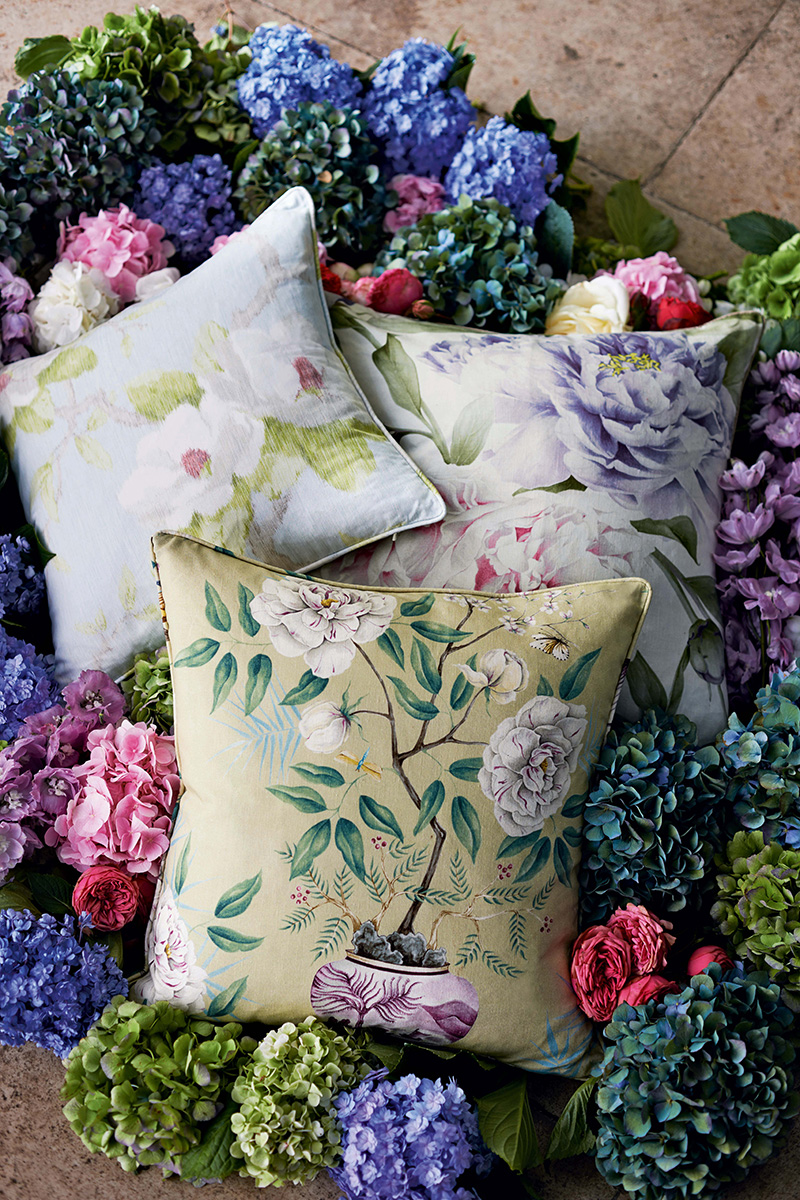 Декоративные подушки из новой коллекции Woodville, Zoffany